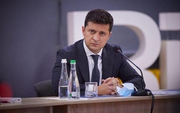 Зеленский ввел санкции против Фирташа и россиян